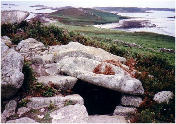 Chambered Cairn on Sampson Isle [2]