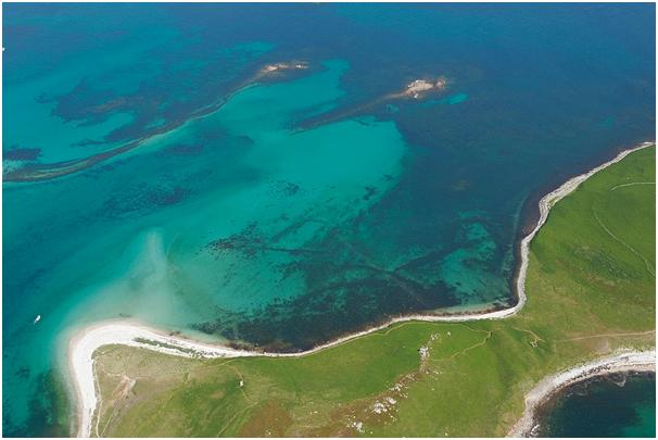 Ariel photograph of the underwater archaeological features of the Samson Flats. Image courtesy of CISMAS [3]